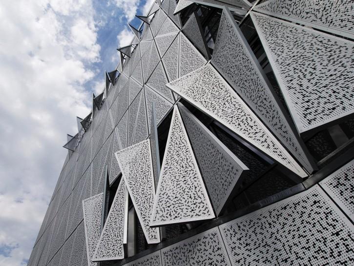Aluminium Lochbleche: dynamischer Sonnenschutz nach EN 5050