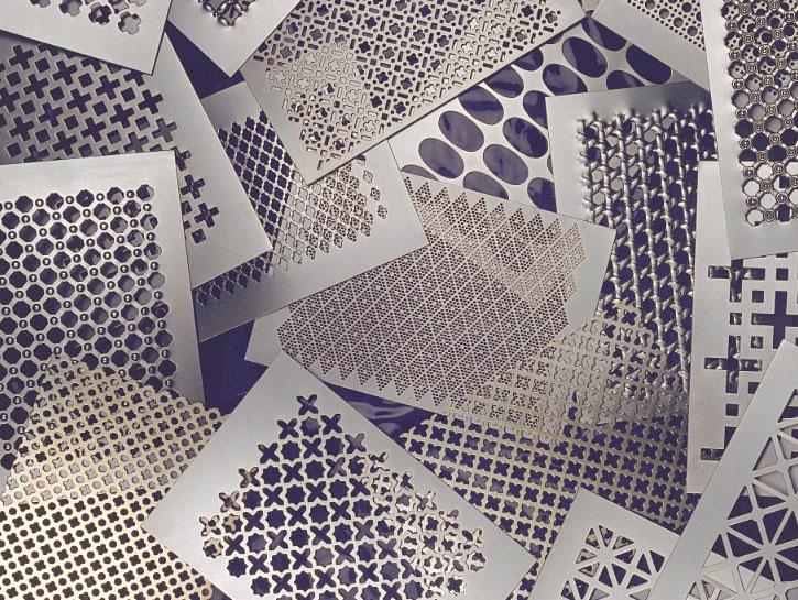 Metallfassaden-Verkleidung mit Lochblechen: Individuell und ...