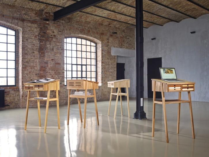 Hocker: Jan Kurtz Möbel, Stehpult: Sixay Furniture: Mobiliar mit Stil liegt voll im Trend