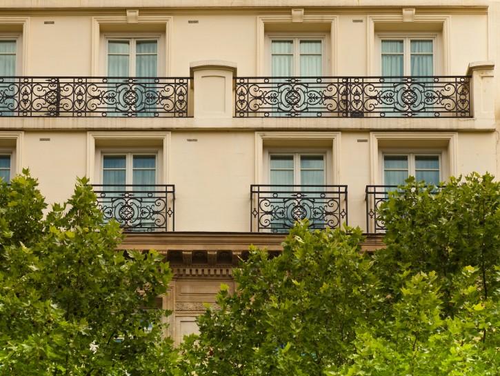 4. Französische Balkone an Pariser Bürgerhäusern