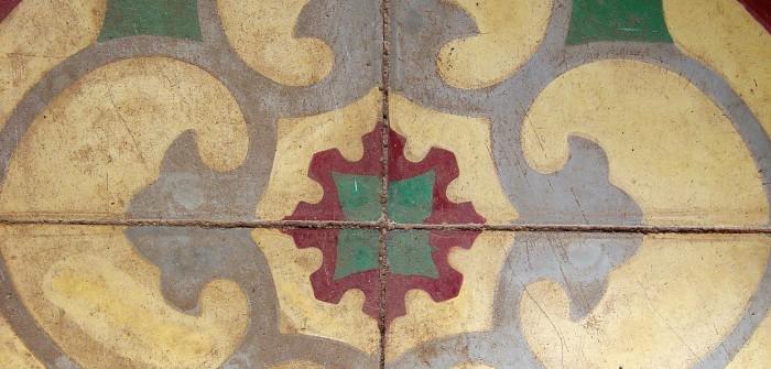Rote Tapete Mit Ornamenten : Franz?sische Fliesen und Tonplatten: auf 200 Jahren Krieg und Frieden