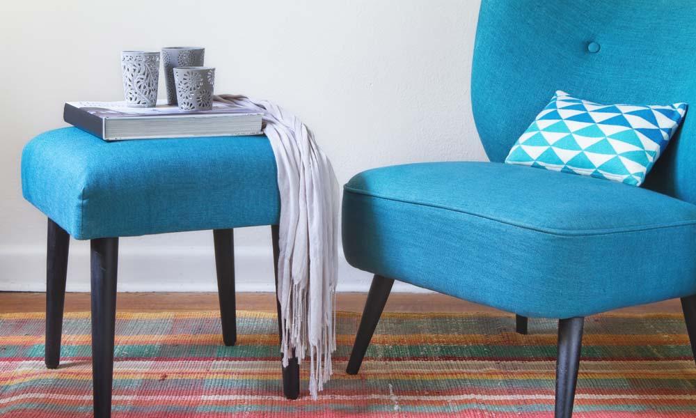 Landhausmöbel sofa ottomane  Landhausmöbel: 7 Sessel-Ideen fürs Wohnzimmer