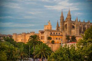 Das Wahrzeichen der Stadt: Die Kathedrale von Palma.