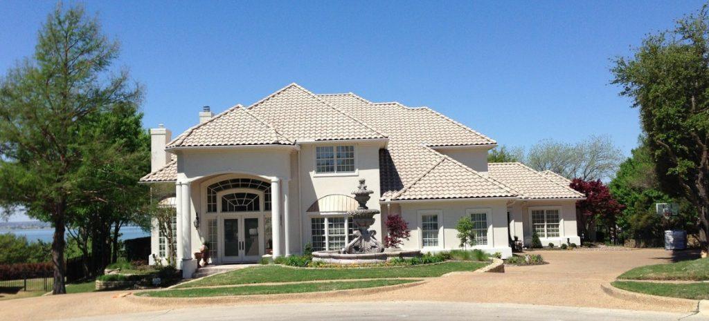 """06. Traumhaus: """"Bay Parkway Wonder"""" - amerikanisches Herrenhaus in Weiß"""