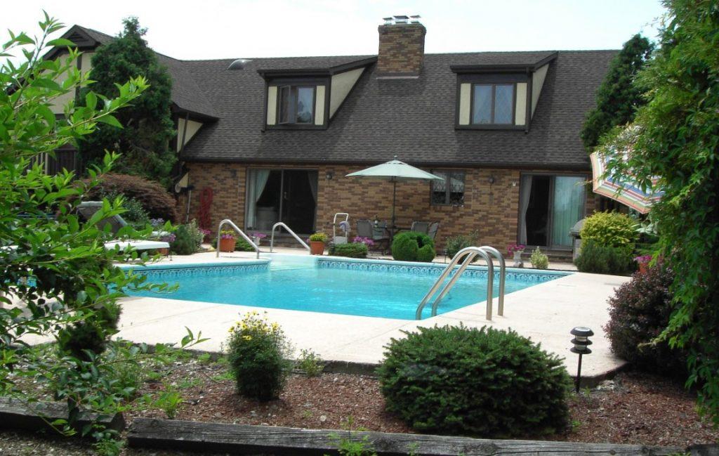 07. Villa mit Pool: Ferienhaus oder Dauerwohnsitz?