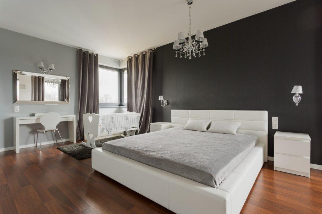 8. Schlafzimmer-Wandfarbe-Idee: Purer Luxus für Eltern und Kind