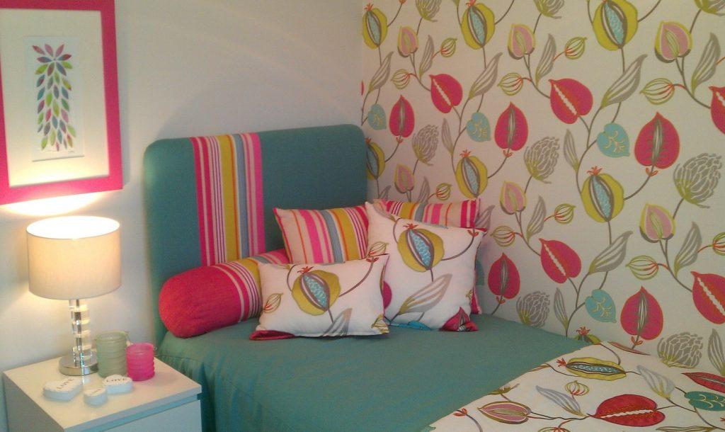 3. Schlafzimmer-Wand-Idee: Bunt ist Trumpf!