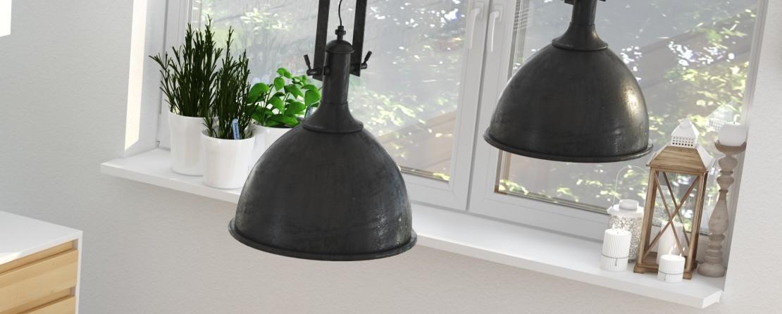 Die Fensterbank lädt zum Dekorieren ein. Grüne Pflanzen und Kerzen auf kerzenständer oder im Windlicht geben der Küche viel Stimmung und dem Auge einen Ruhepunkt im Kochtrubel. Wenn frau das mal brauchen solltre.