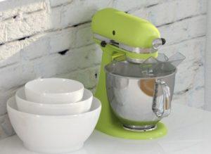 Im Küchenstudio von Nobilia, Nolte, Hesse, Rück & Co. wimmete es von schicken Accessoires. Allerdings fanden die sich auch in dem von uns aufgewählten Einrichtungsvorschlag für die Küche. Klar, die Küchenmaschine Kitchen Aid Artisan ist Kult und kommt immer gut. Sowieso in apfelgrün bzw. neon-grün!