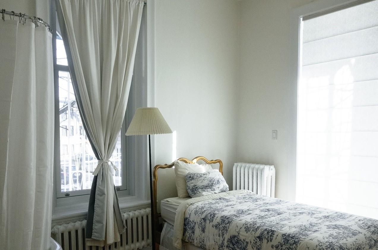 Kleines schlafzimmer: 20 ideen rund ums einrichten, farbe & mehr
