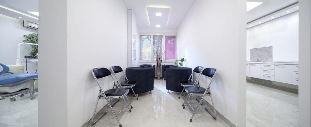 Wartezimmer und moderne Möbel: Gemütlichkeit durch Polstersessel. (#5)