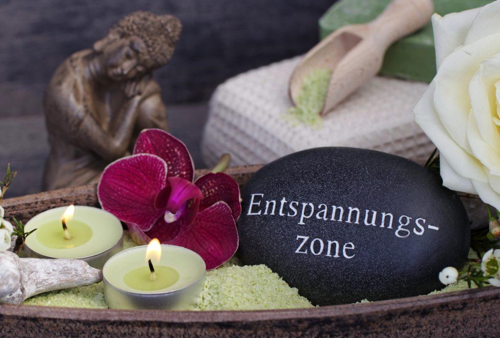 Entspannungszone: Oftmals helfen die richtigen Accessoires dabei, ein exotisches Spa-Gefühl zu vermitteln. (#02)