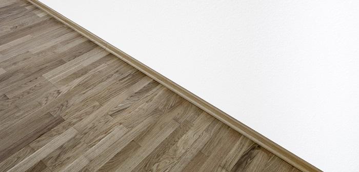 welche sockelleisten passen zu meinem einrichtungsstil. Black Bedroom Furniture Sets. Home Design Ideas