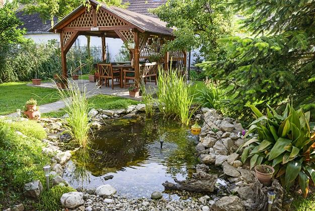 Ein schöner ruhiger Sitzplatz zum feiern, entspannen, lädt ein um Partys zu machen