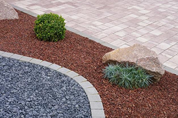 Moderner Steingarten mit Betonpflaster, Felsen und Pflanzen nicht so arbeitsintensiv und trotzdem wunderschön( #08)