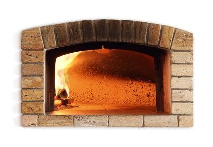 In diesem Kaminofen kannst du dein eigens leckeres Brot backen.