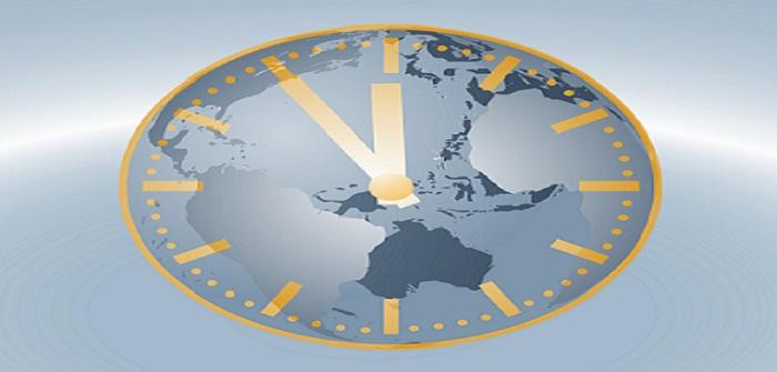 Zeitzonen: Wanduhren die einem die unterschiedlichen Zeitzonen sagen