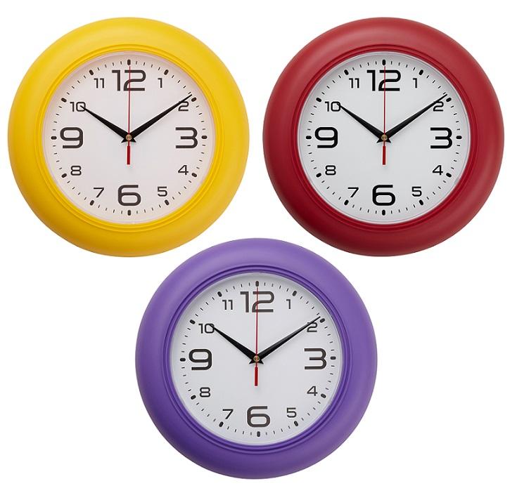 Bunte Uhren, eine witzige, hübsche Möglichkeit die einem die Zeit nennen
