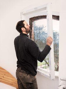 Fensterrahmen einpassen: Jetzt ist Fingerspitzengefühl gefragt! (#03)