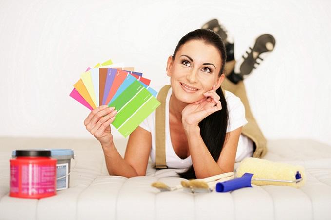 Ob Sie zum Decke Streichen mit Alpina-Weiss oder einer anderen Wandfarbe arbeiten, kann sich entscheidend auf das Streichergebnis auswirken.(#01)