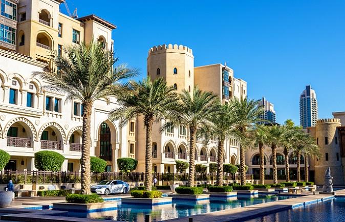 Wohl in kaum einem anderen Teil der Welt gibt es so viele Makler wie in Dubai – allerdings bieten diese zu 90 Prozent die gleichen Immobilien an. (#06)