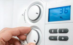 Elektronische Durchlauferhitzer erlauben ein manuelles Einstellen der Wassertemperatur. (#3)