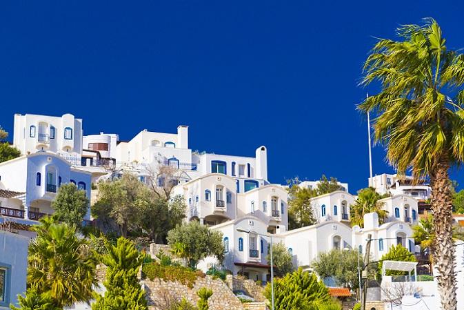 Gerade die Haupturlaubsgebiete sind es, die die künftigen Käufer der Immobilien anlocken. Dort leben, wo andere Urlaub machen – dieser altbekannte Spruch trifft in der Türkei in besonderem Maße zu. (#01)