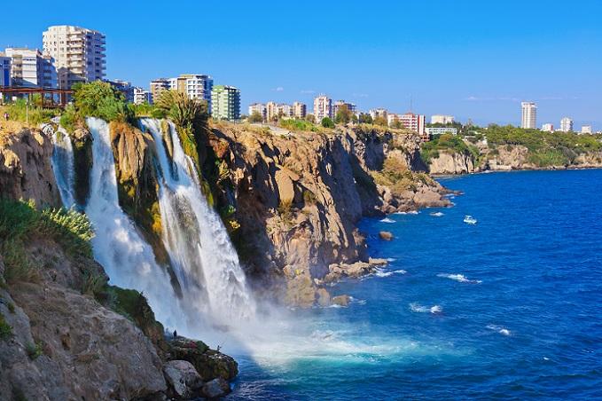 Wer in einem Haupttouristengebiet zum Immobilienbesitzer werden möchte, muss hinnehmen, dass die Preise dort inzwischen überhöht sind. (#04)