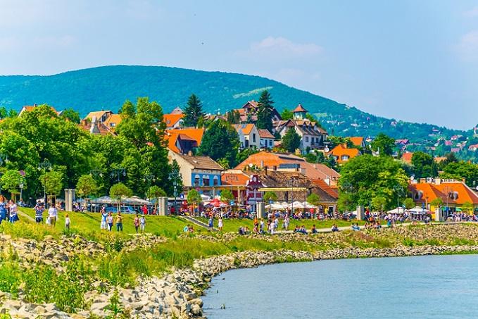 Der Urlaub in Ungarn war so toll! Der Plattensee war warm, die Strände sauber, immer schien die Sonne und die Menschen waren nett. Aber reicht das, um eine so einschneidende Entscheidung wie über das Auswandern zu treffen? (#03)