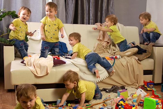 Wer nämlich schon früh zu Ordnung und Sauberkeit erzogen wird, lässt es später gar nicht erst soweit kommen, dass vor lauter Spielsachen der Boden des Kinderzimmers nicht mehr zu sehen ist. Meist ist es dann auch nur eine Frage der Zeit bis sich das Chaos auch auf andere Räume überträgt. (#01)