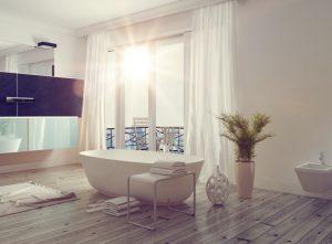 Ein großes Badezimmer mit einer freistehenden Badewanne und einem wunderschönen Ausblick - man wird ja auch mal träumen dürfen. (#5)