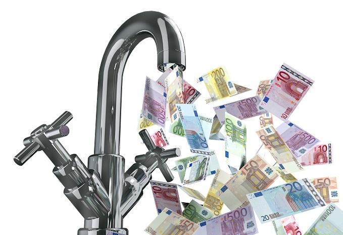 Bei wem die Wasserkosten also niedrig sind, der kann auch über die Anschaffung eines weniger effizienten hydraulischen Durchlauferhitzers sinnieren, wenn er über eine dezentrale Warmwasseraufbereitung nachdenkt, um die Kosten trotzdem gering zu halten. (#05)