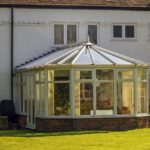 Ausreichend Schutz vor Sonne im Wintergarten