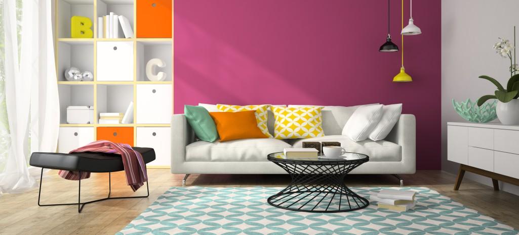 Ein harmonisches Bild entsteht durch eine passende Wandfarbe. Gepaart mit weiteren peppigen Farben wirkt das Wohnzimmer modern und macht glücklich. (#6)