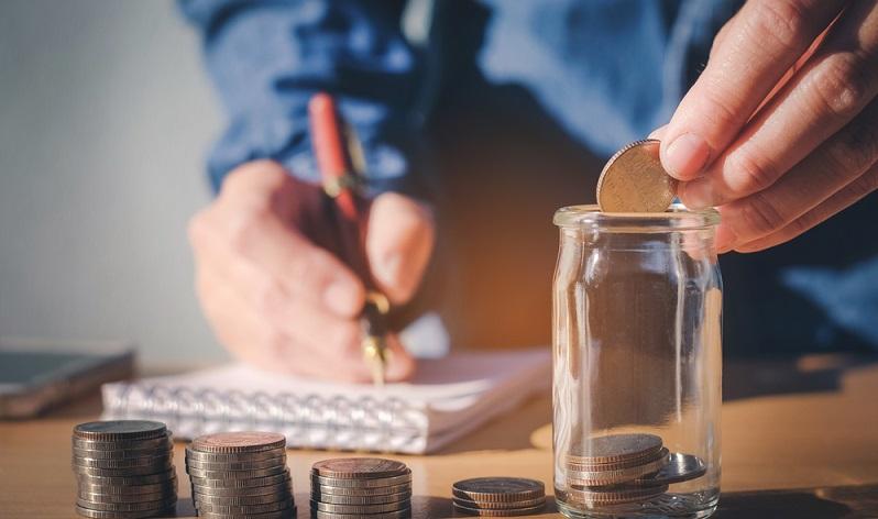 Je mehr Eigenkapital man angespart hat, umso weniger fremdes Geld muss man in Anspruch nehmen.