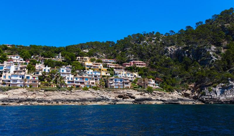 Die Marktstudien der Ferienwohnungen und Häuser auf Mallorca werden teilweise von Immobilienmaklern und auch von Bauexperten initiiert. Ausgeführt werden diese Untersuchungen beispielsweise von dem Steinbeis Institut Center for Real Estate Studies.