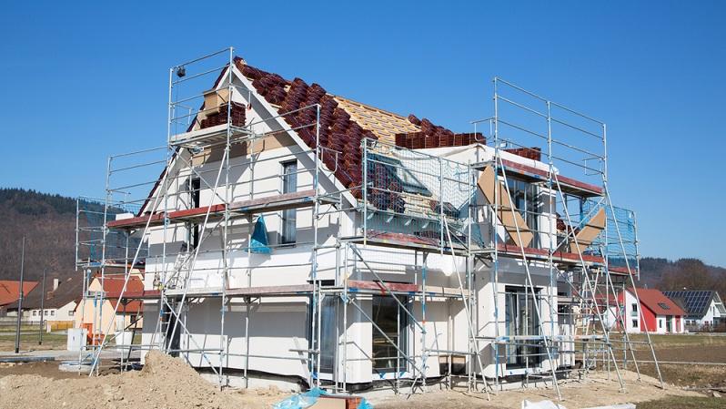 Ein Einfamilienhaus mit integrierter Mietwohnung kann bei einem Hausverkauf sowohl Hindernis als auch Vorteil sein. Das hängt vorrangig von der Lage des Hauses ab. (#03)