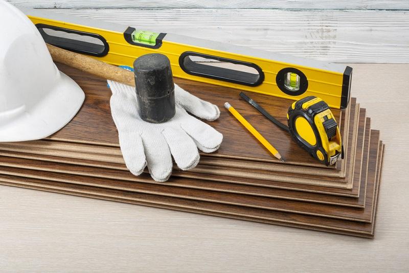 Voraussetzung ist das entsprechende Werkzeug.(# 02)