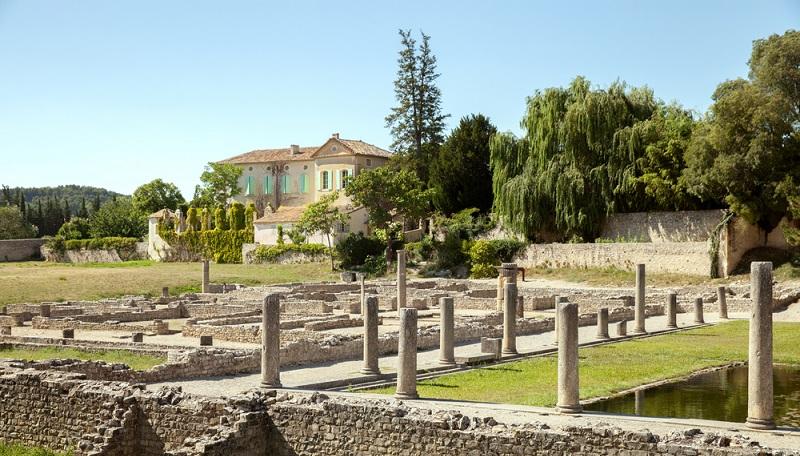 Landhotel Vaison la Romaine und in der Provence – erfahren Sie mehr über die architektonisch spannende Region und ihre einzigartigen Übernachtungsmöglichkeiten! (#01)