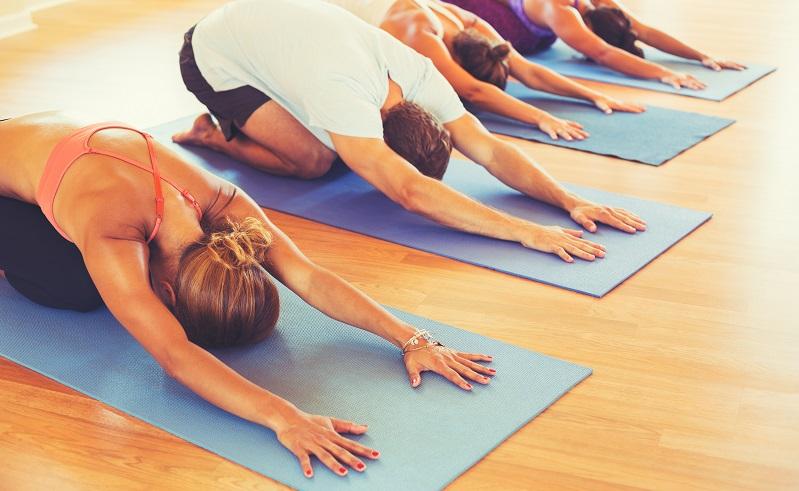 Im Alltag lässt sich ein Yoga-Kurs oder Gymnastik gut integrieren.(#03)