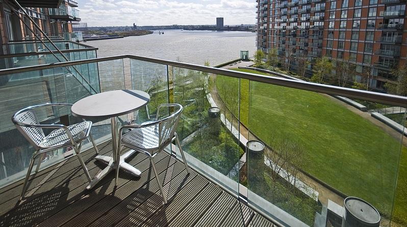 Das wichtigste Kriterium, das über die Höhe der Kosten entscheidet, ist das Balkon-Modell für das man sich entscheidet. (#01)