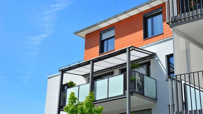 Die zwei wichtigsten Schritte auf dem Weg zum eigenen Balkon sind: Die genaue Planung sowie die letztendliche Durchführung. (#02)