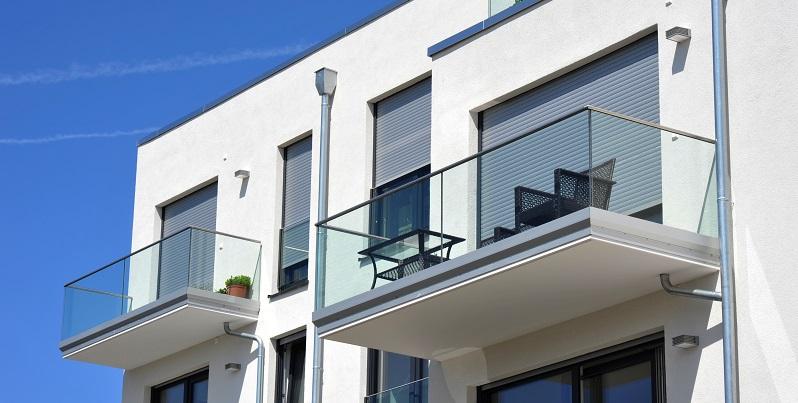 Ein aufwendiger, größerer Edelstahlbalkon benötigt freilich mehr Zeit, aber innerhalb weniger Tage stehen auch diese Balkone. (#03)