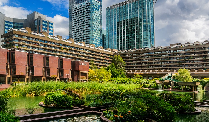 Ökologisch bauen: Das höchste Holzgebäude Europas steht mit einer Höhe von 300 Metern neben dem Barbican Centre in London. (#01)