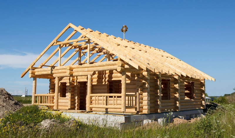 Holzbau ist eine Methode, um ökologisch zu bauen, die ihren Ursprung in Nordamerika hat und immer beliebter wird. (#02)