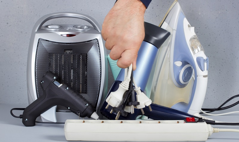 Obwohl verbrauchsarme Geräte meist teurer in der Anschaffung sind, lohnt sich die Entscheidung für eine energieeffiziente Waschmaschine oder einen sparsamen Kühlschrank. (#01)