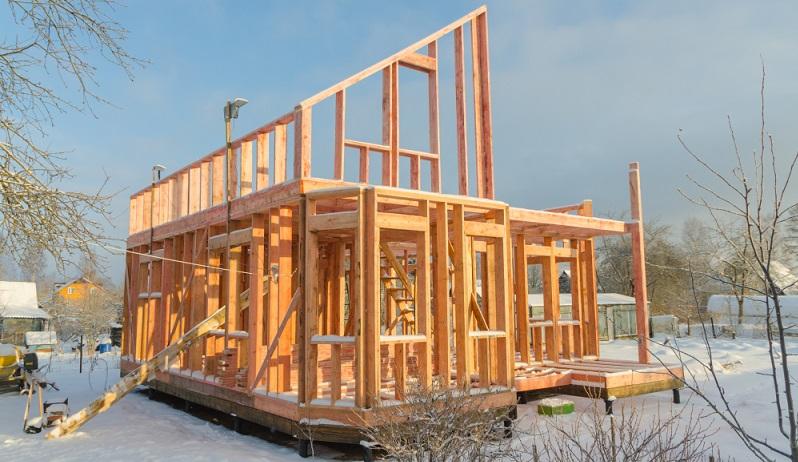 Das Fachwerkhaus präsentiert sich sehr charakteristisch und leicht romantisch, ist aus einer Kombination von Holz und Stein errichtet. (#05)