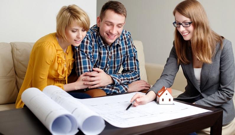 Der Architekt handelt im Auftrag des Bauherren und übernimmt praktisch die Funktion eines Treuhänders. (#02)