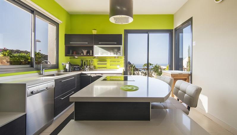 Bei der Planung der Einbauküche ist es sehr wichtig, auf eine ergonomische und effiziente Erledigung der Küchenarbeit zu achten. (#03)
