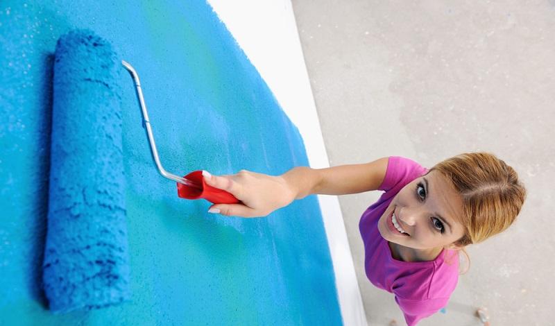 Es ist ein schönes Gefühl, die trockenen und sauberen Wände mit frischer Farbe neu zu streichen. (#4)